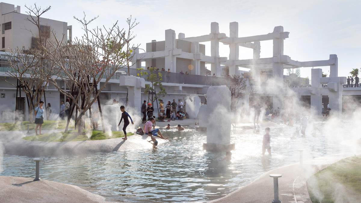 Переосмислення простору: парк із басейном на уламках торговельного центру в Тайвані – фото
