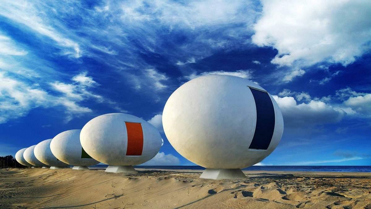 Бунгало та золота сауна: підбірка будівель з усього світу у вигляді Великодніх яєць – фото