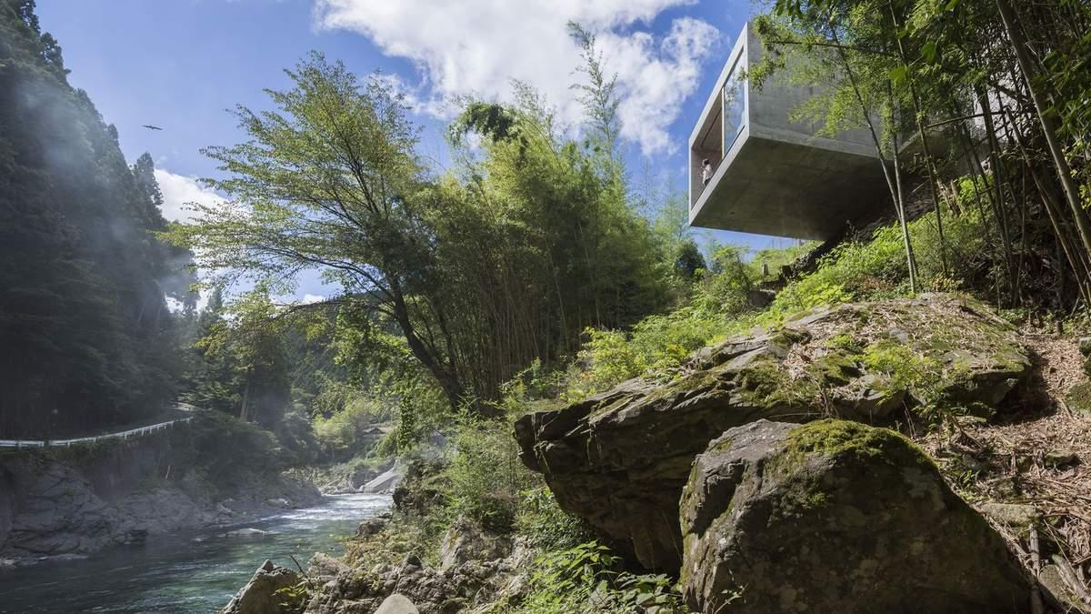 Помешкання над урвищем: в Японії побудували будиночок з панорамою незайманого лісу – фото