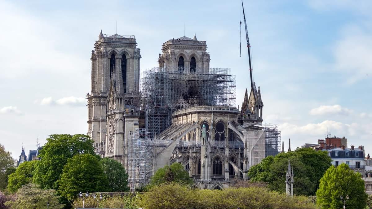 Реставрацию Нотр-Дам де Пари остановили из-за пандемии: на какой стадии восстановление собора