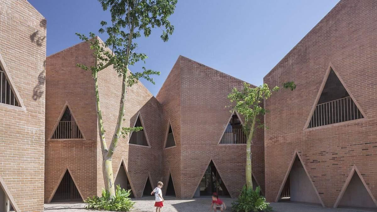 Школа, що має очі: фото дивного ззовні навчального закладу в Мексиці