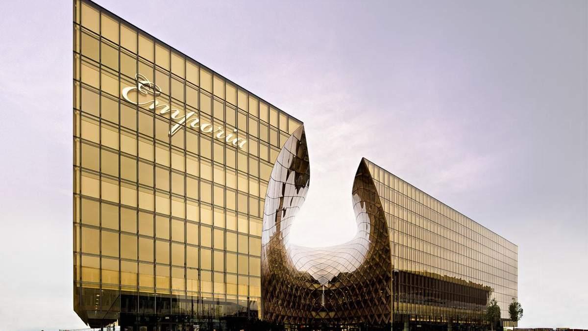 Дивні форми та яскраві кольори: добірка проєктів шведського архітектора Герта Вінгерда – фото