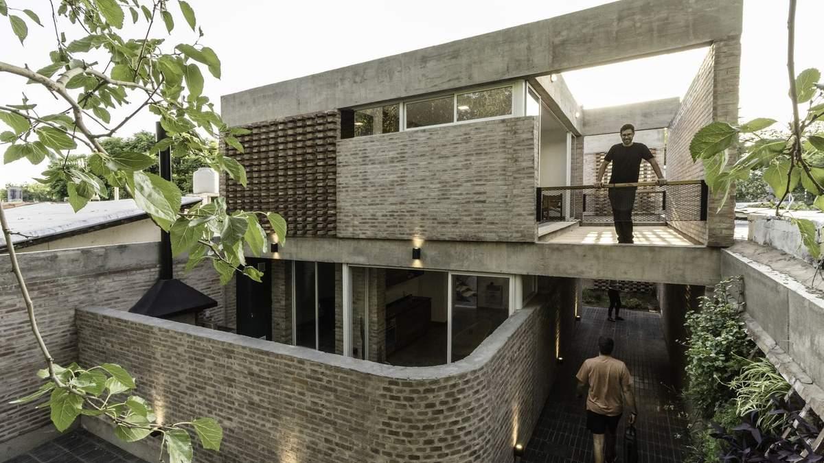 Як збудувати велике житло на маленькій ділянці: приклад з Аргентини – фото