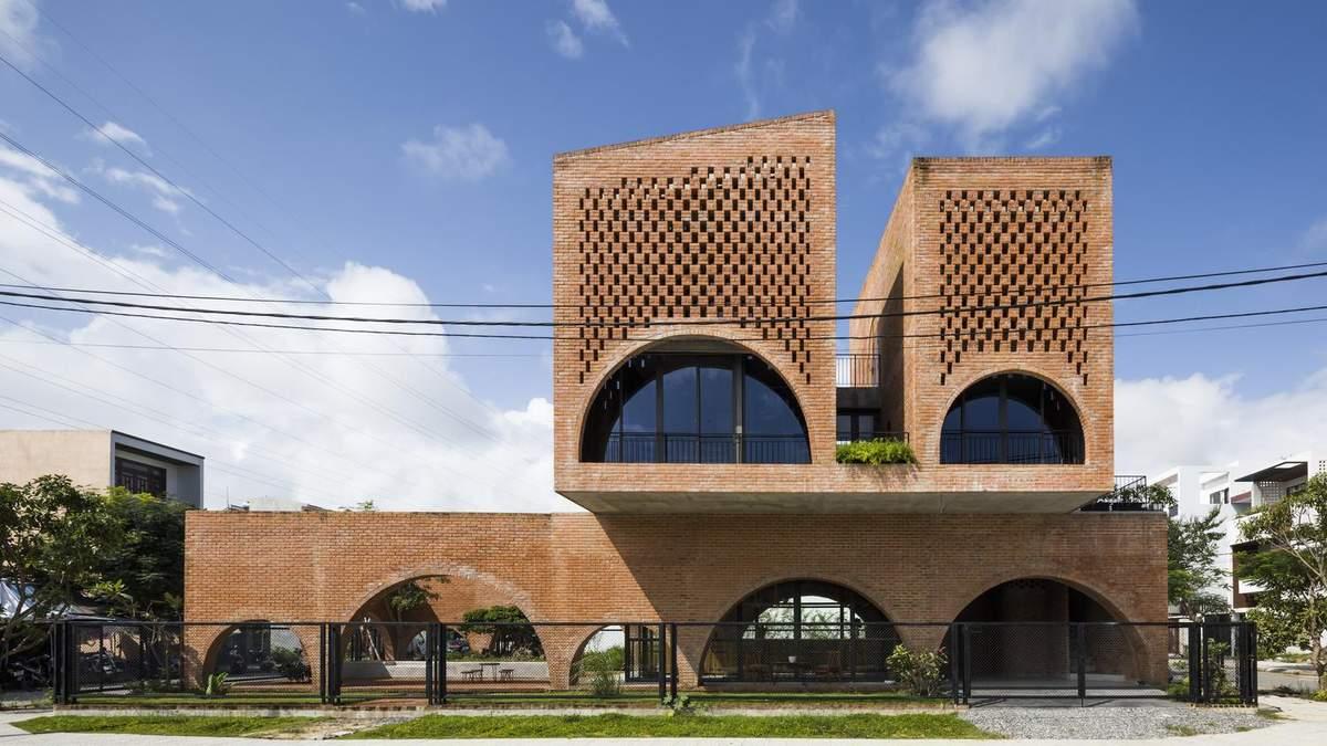 Часы с кукушкой: во Вьетнаме построили дом странной формы – фото