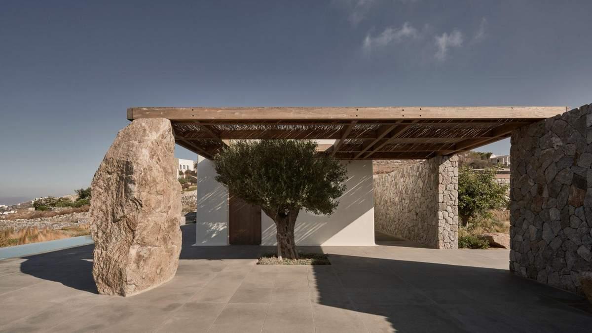 Коли каміння стає елементом декору: фото будинку з панорамою на Егейське море