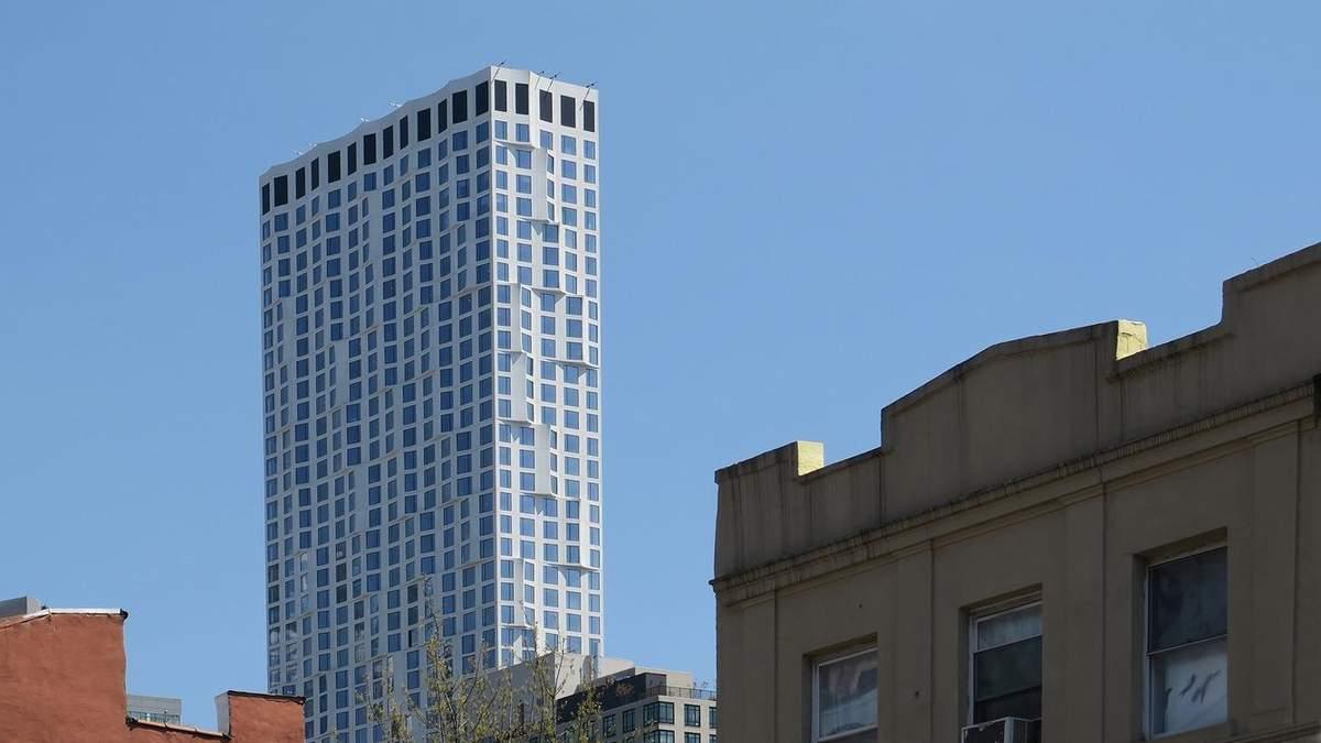 Небоскреб с волнистым фасадом: фото жилой многоэтажки в Нью-Йорке