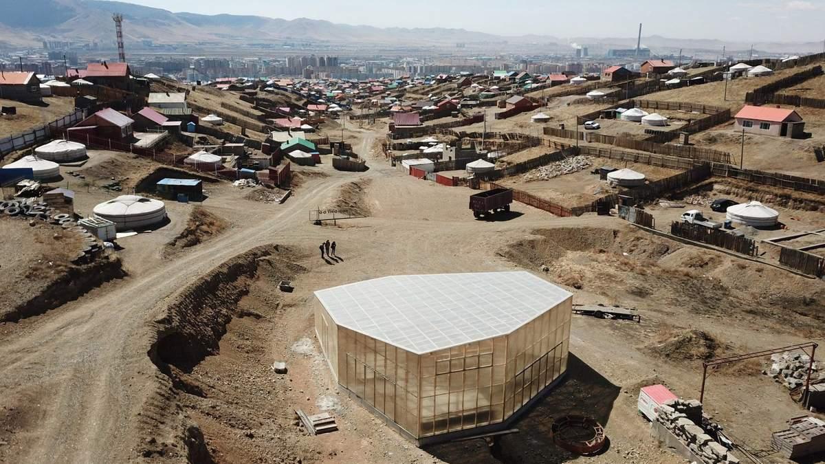 Посеред царства юрт: вражаючі фото громадського центру в столиці Монголії