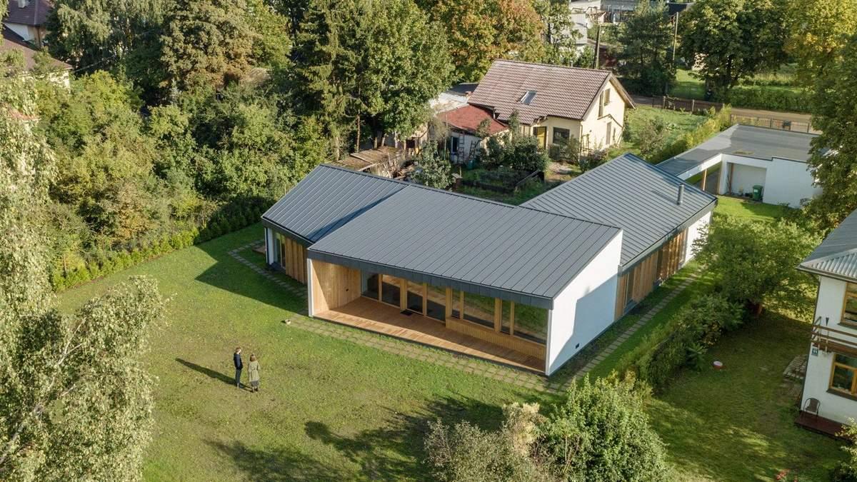 Будинок з чотирма дахами: приклад відмінно організації простору з Латвії: фото