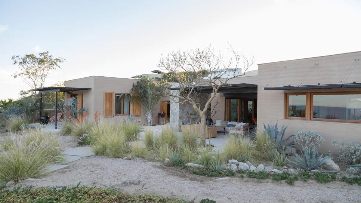 Веет жарой: фото традиционного мексиканского жилья с современным интерьером