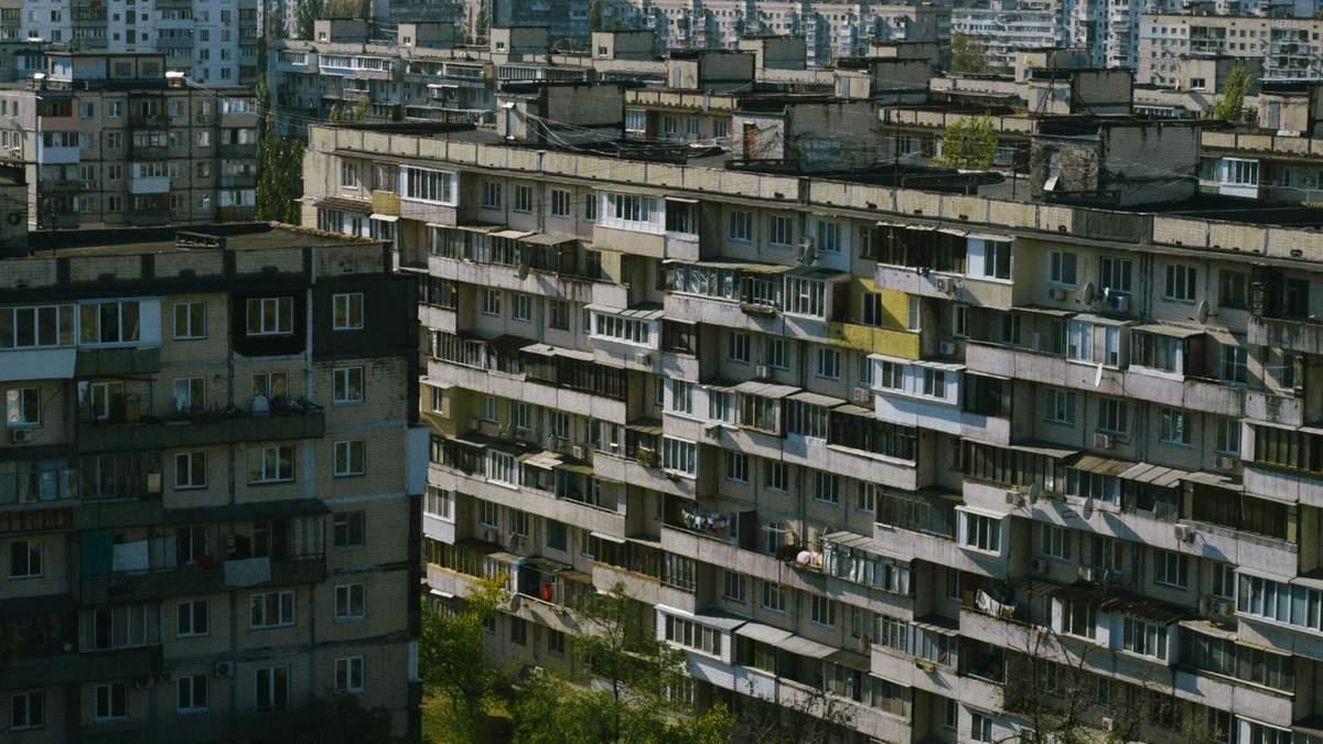 У відкритому доступі з'явився фільм про засклені балкони в радянських багатоповерхівках