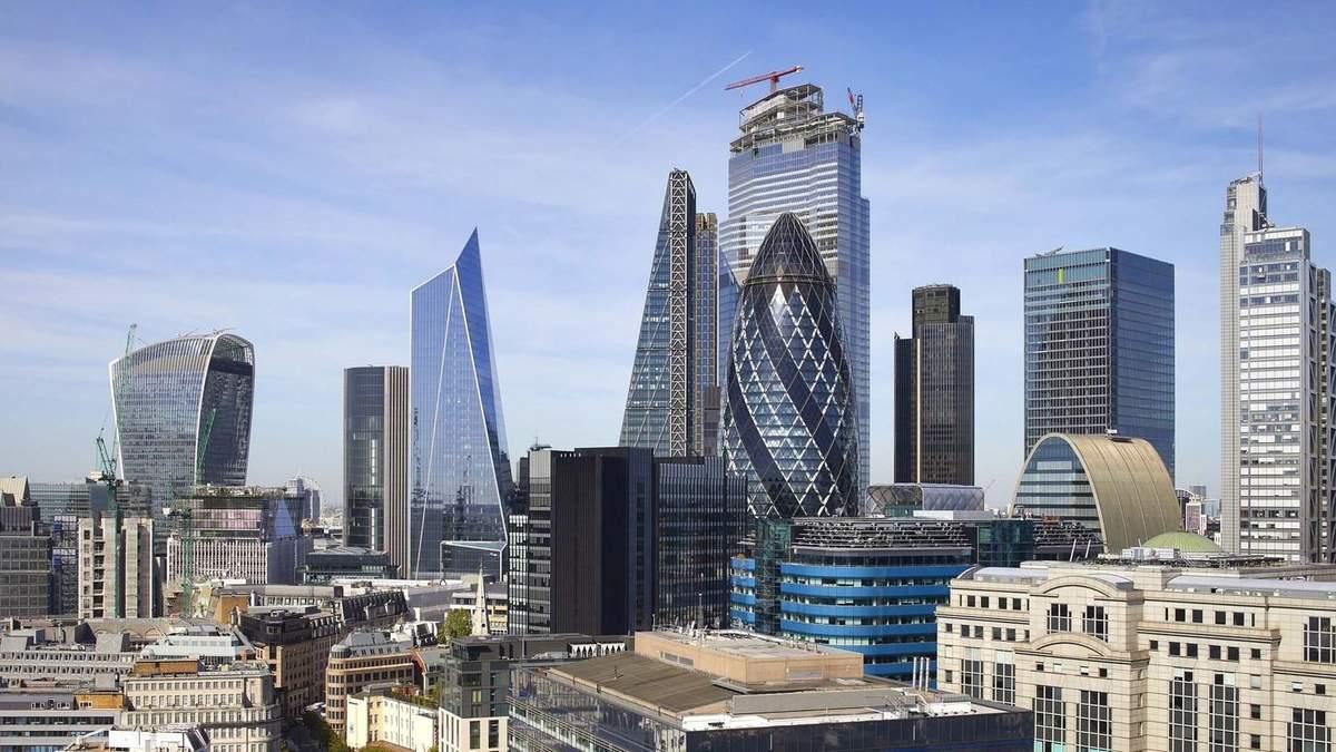 """Щоб не загороджувати собор в серці Лондона побудували """"похилу"""" вежу – фото"""