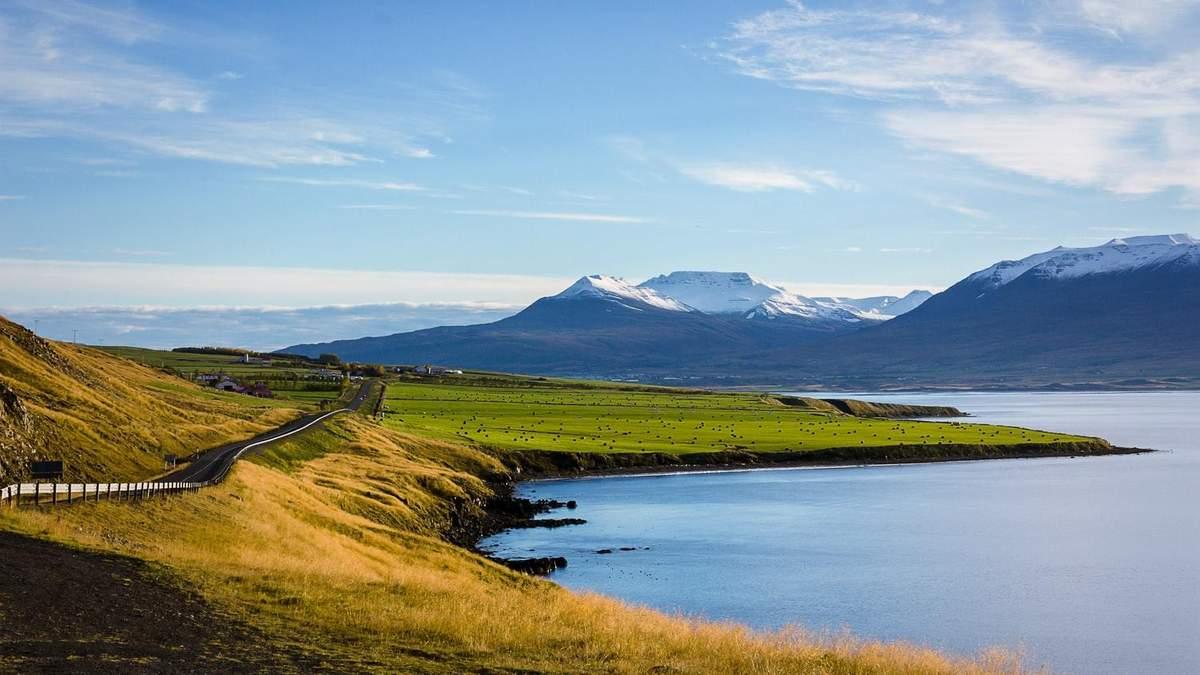 Небесная Лагуна: в Исландии откроют бар в скале у термальных вод - видео