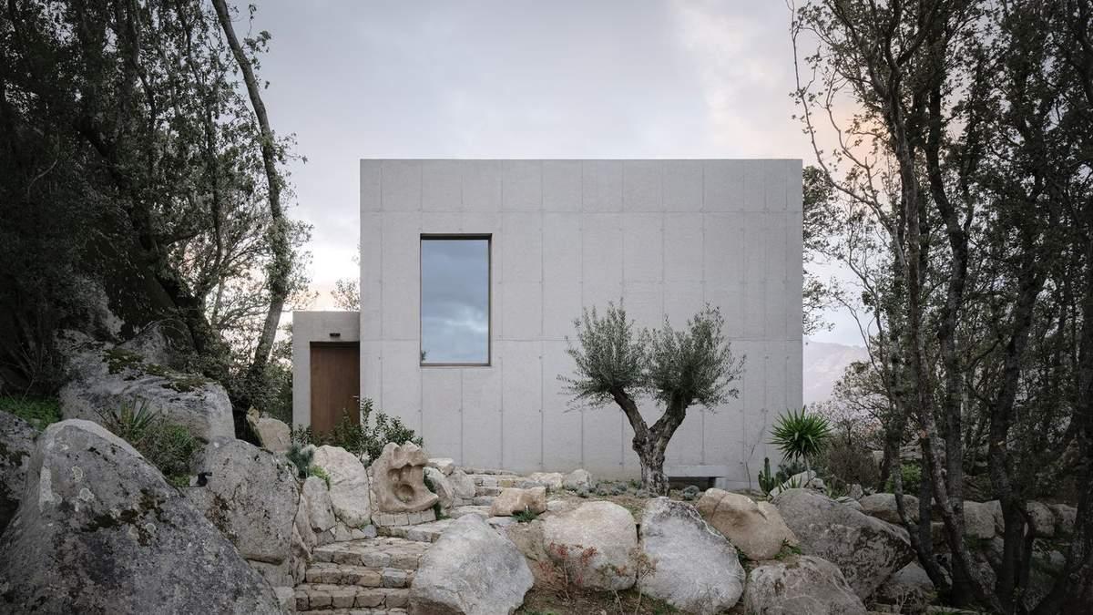 Каменный блок: во Франции построили помещение, которое стало продолжением камня – фото