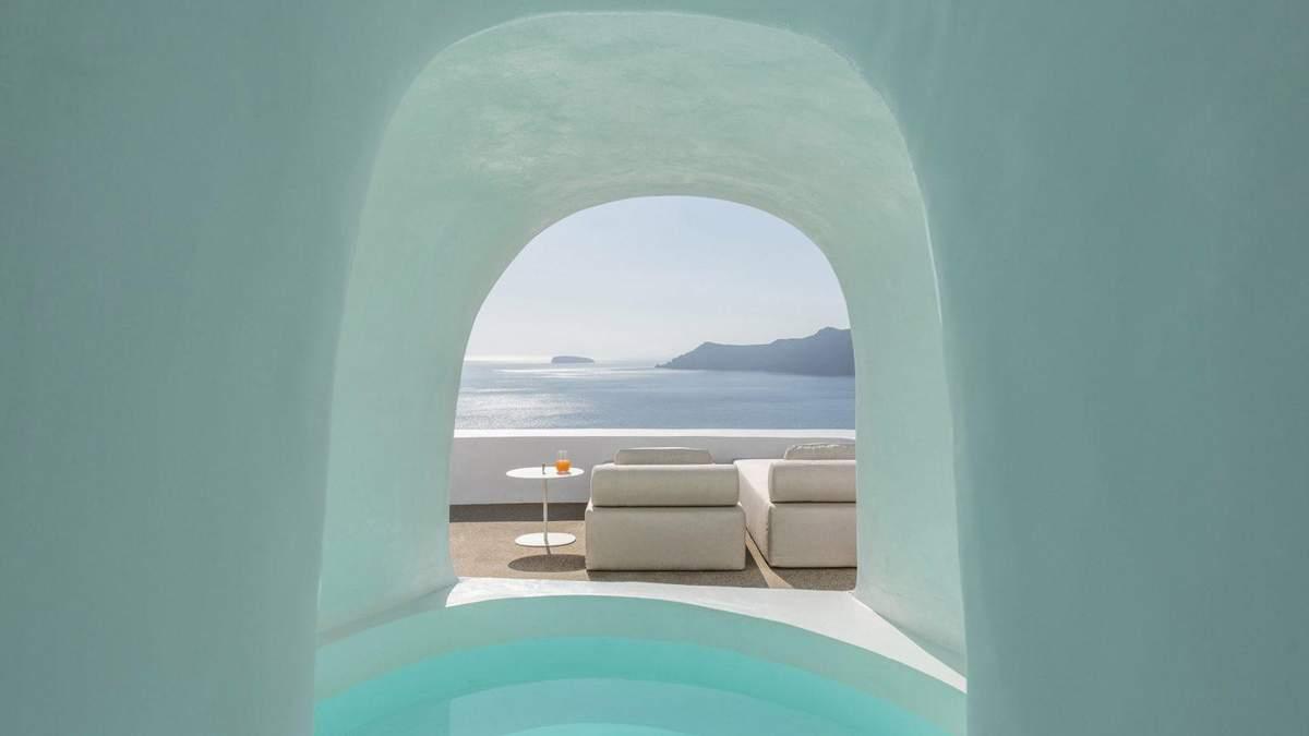 Сучасні та традиційні: 3 кращих готелі на грецькому острові Санторіні – фото