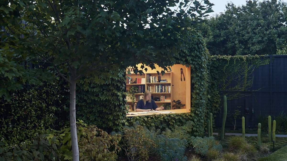 Ідеальне маскування: в Австралії побудували майстерню просто в садовій огорожі – фото