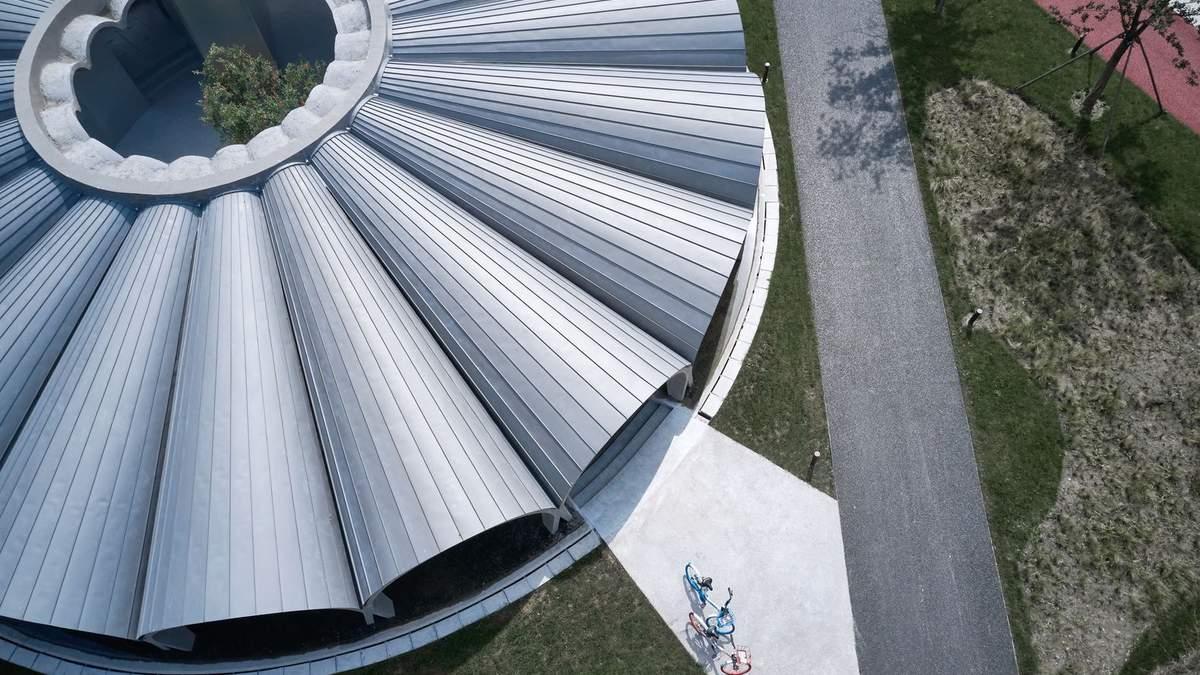 Бетон и стекло: в Китае переделали старые очистные сооружения в общественные пространства