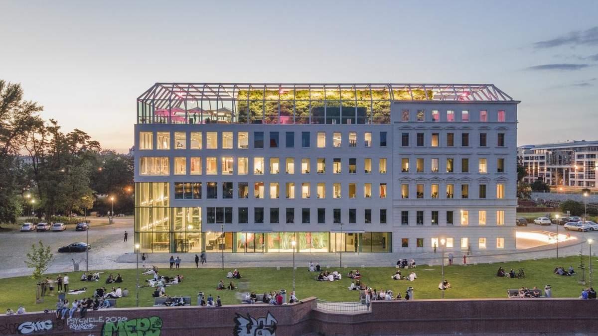 У Вроцлаві історичну будівлю перетворять на сучасний громадський центр – фото
