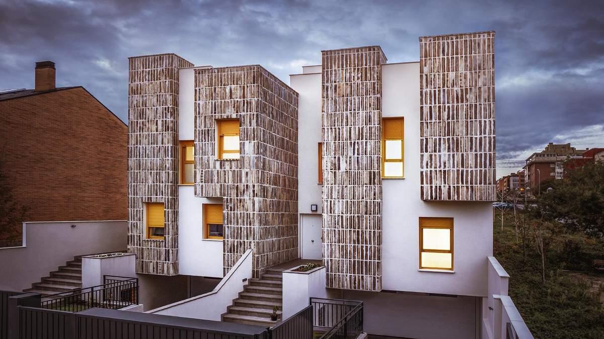 Терасові будинки: в Мадриді звели два унікальні таунхауси з керамічними фасадами – фото