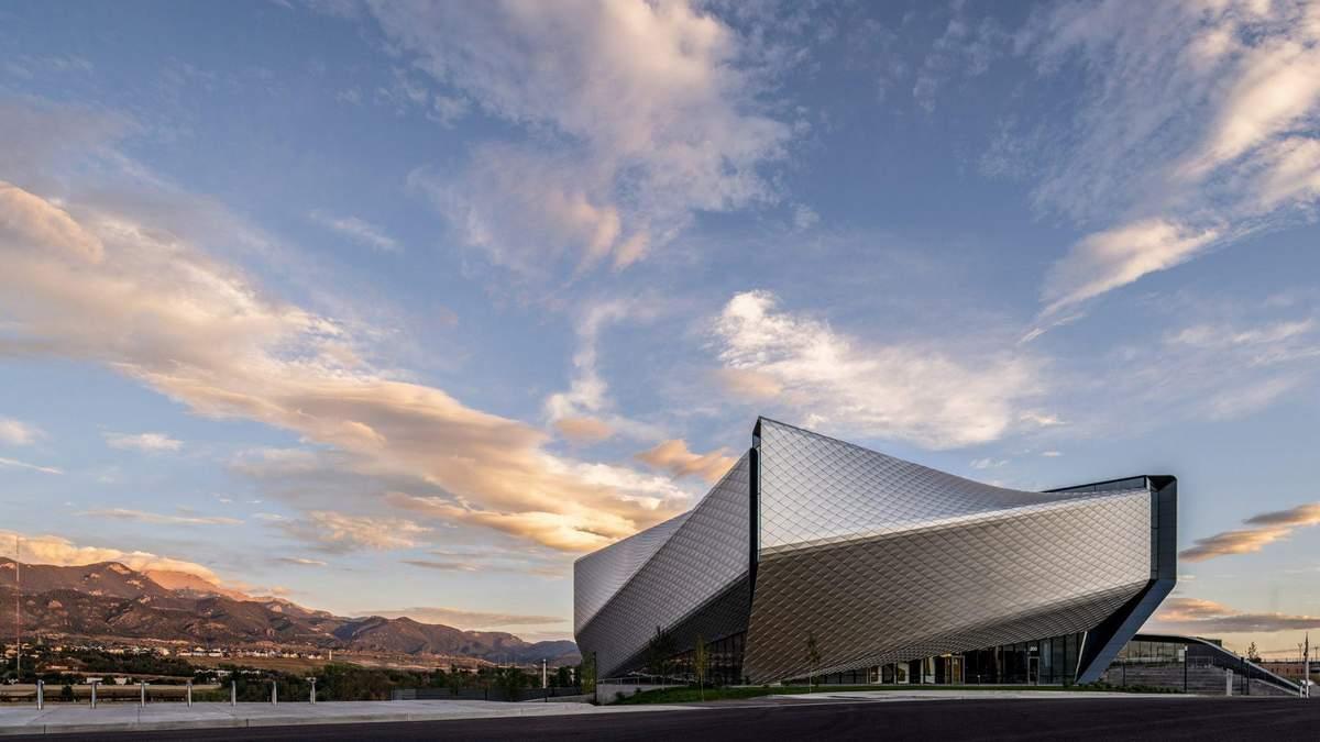 В виде стадиона: в США открыли музей Олимпийского спорта – невероятные фото