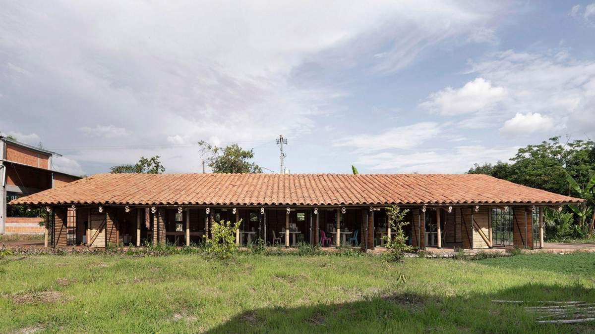 Будівництво з бамбуку: неймовірні фото фабрики одягу з Колумбії