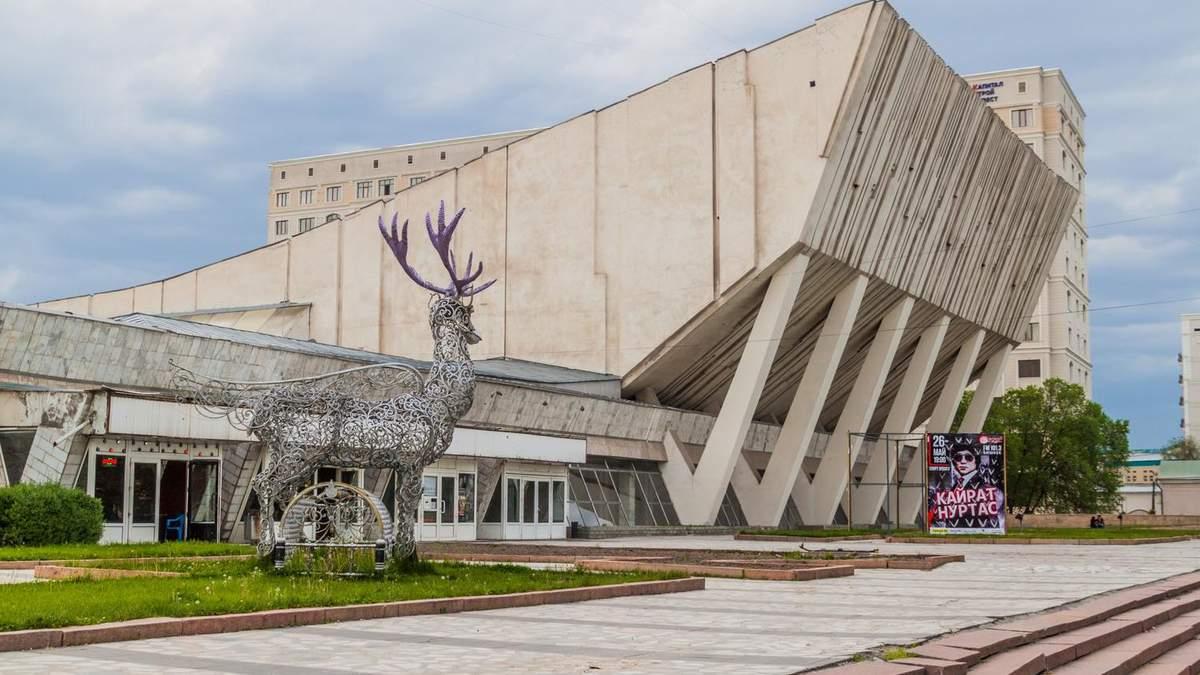Монументальні театри та палаци: 5 спортивних та культурних споруд родом з соціалізму – фото