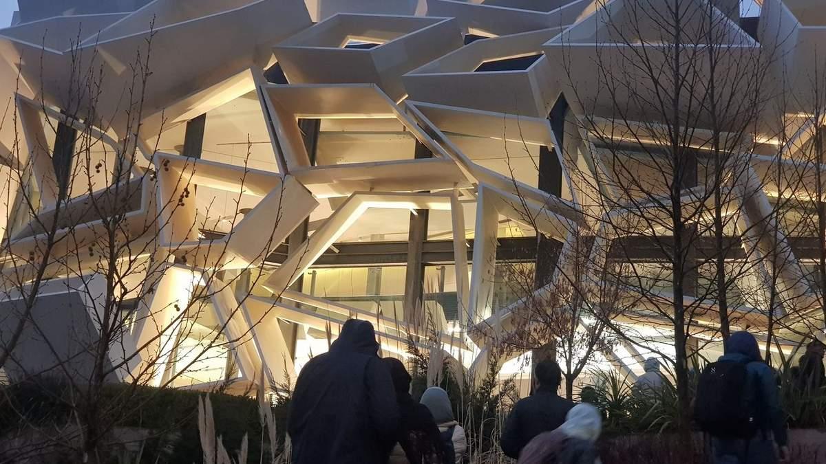 Мрія Далі: в Ірані побудували виставковий центр з сюрреалістичним фасадом – фото