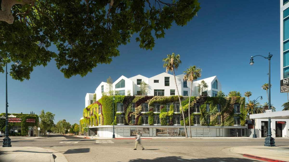 Живая изгородь: в США открыли жилой комплекс с зеленой стеной – фото