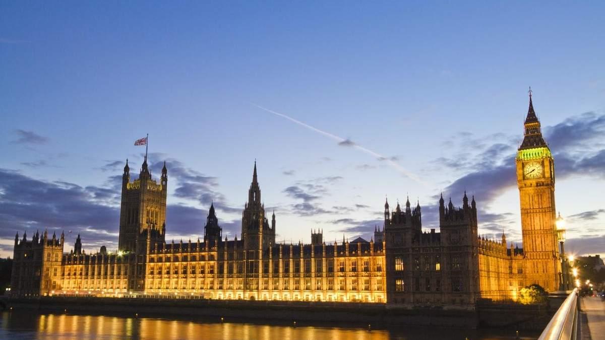 Хрустальный дворец: в Великобритании представили проект временного здания парламента – фото