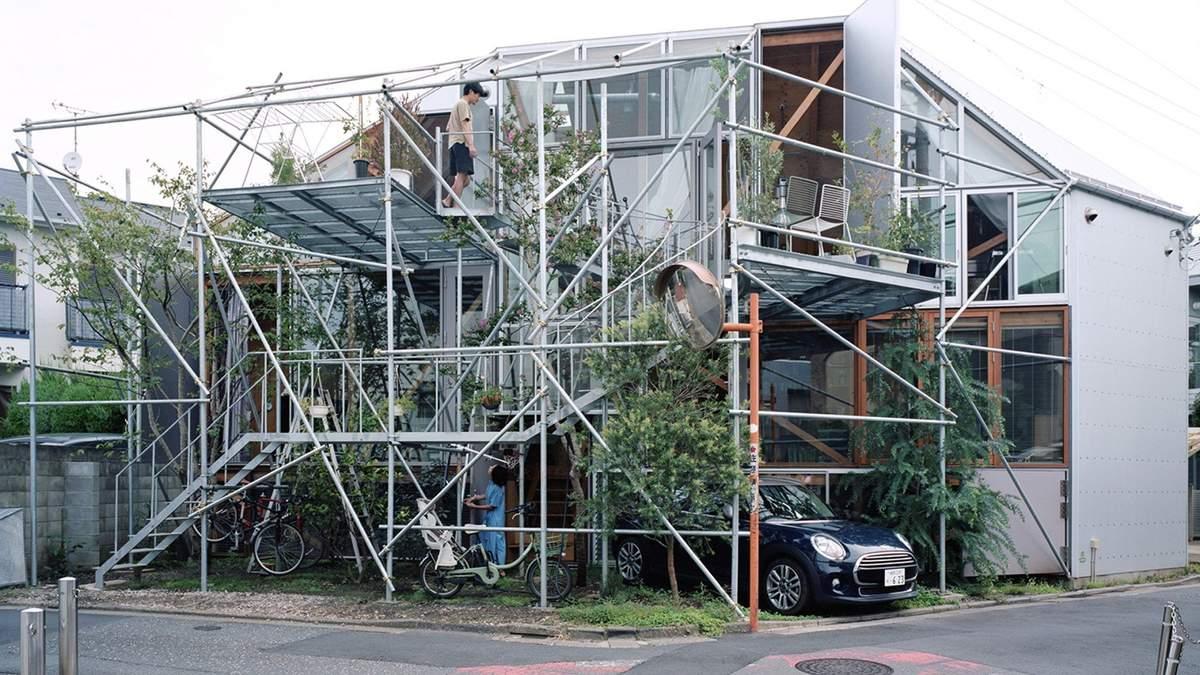 Металеве павутиння: в Японії з'явився будинок, який збудований з риштування – фото