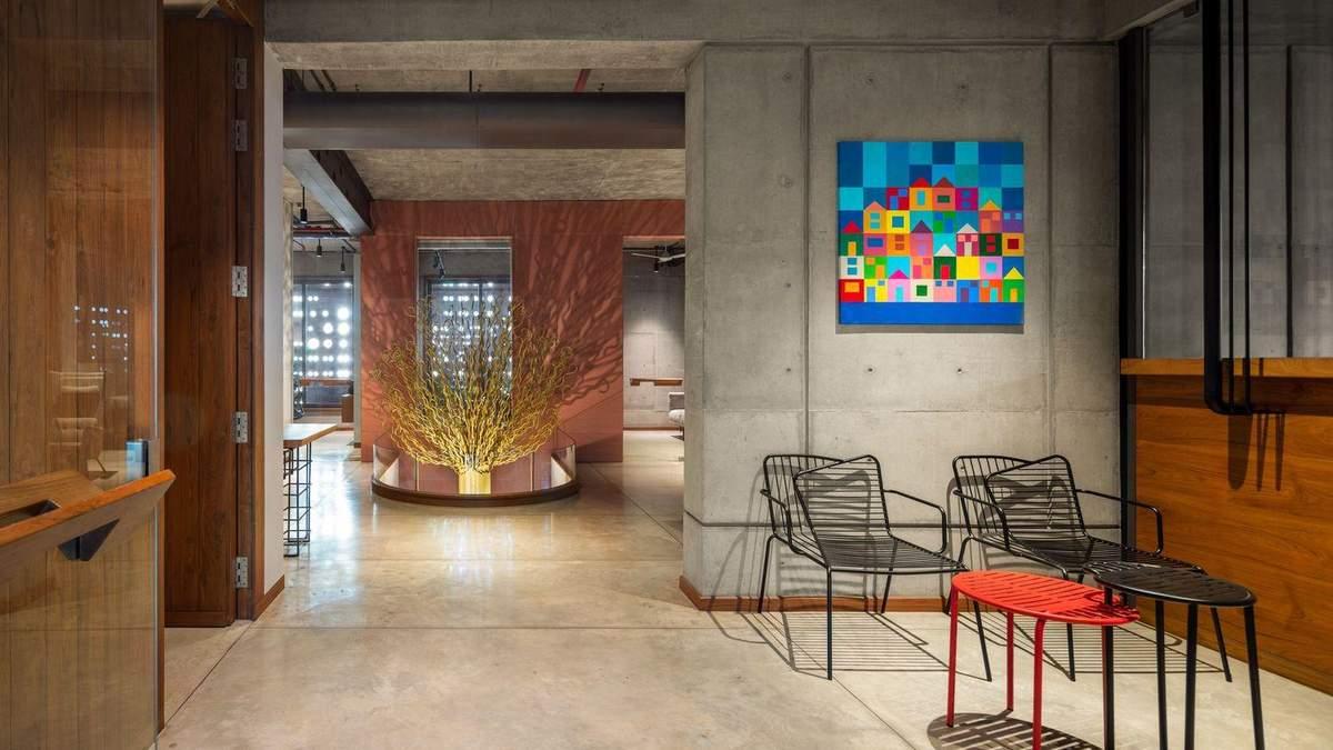 Как живая: в Индии открыли угловое офисное здание странной формы – фото