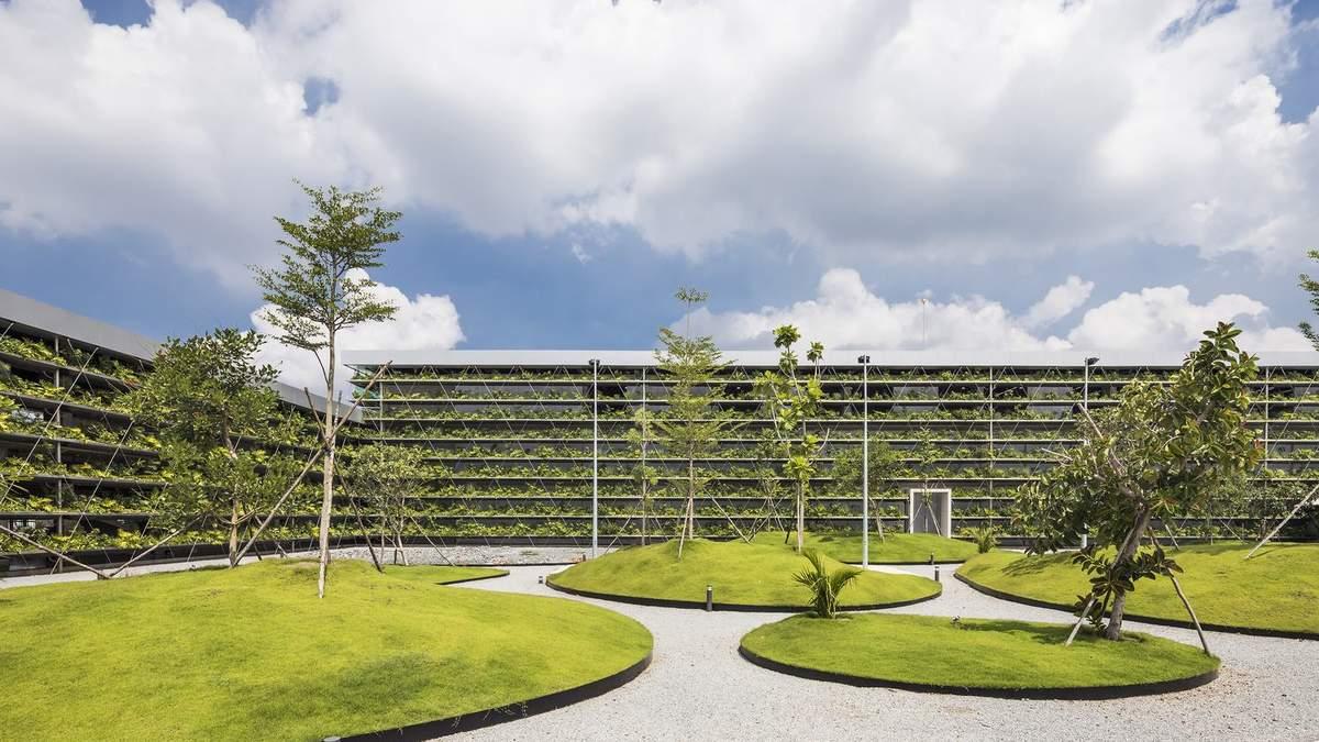 Тропическая архитектура: во Вьетнаме создали ферму прямо на фасаде завода – фото