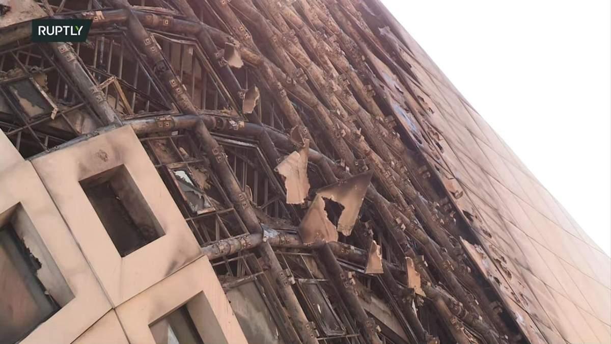 Полтора месяца спустя: в Бейруте горело здание, которое проектировала Заха Хадид – видео