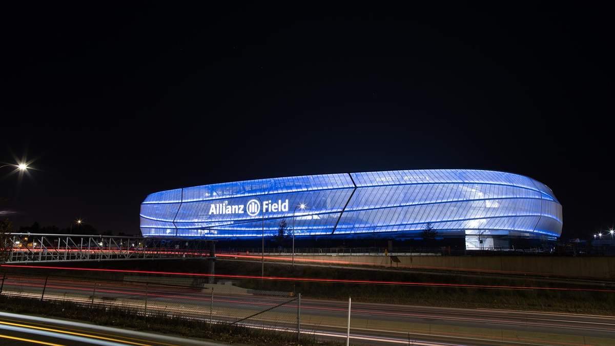 Почти 5 миллионов долларов на освещение: стадион футбольной команды в Америке поражает – фото
