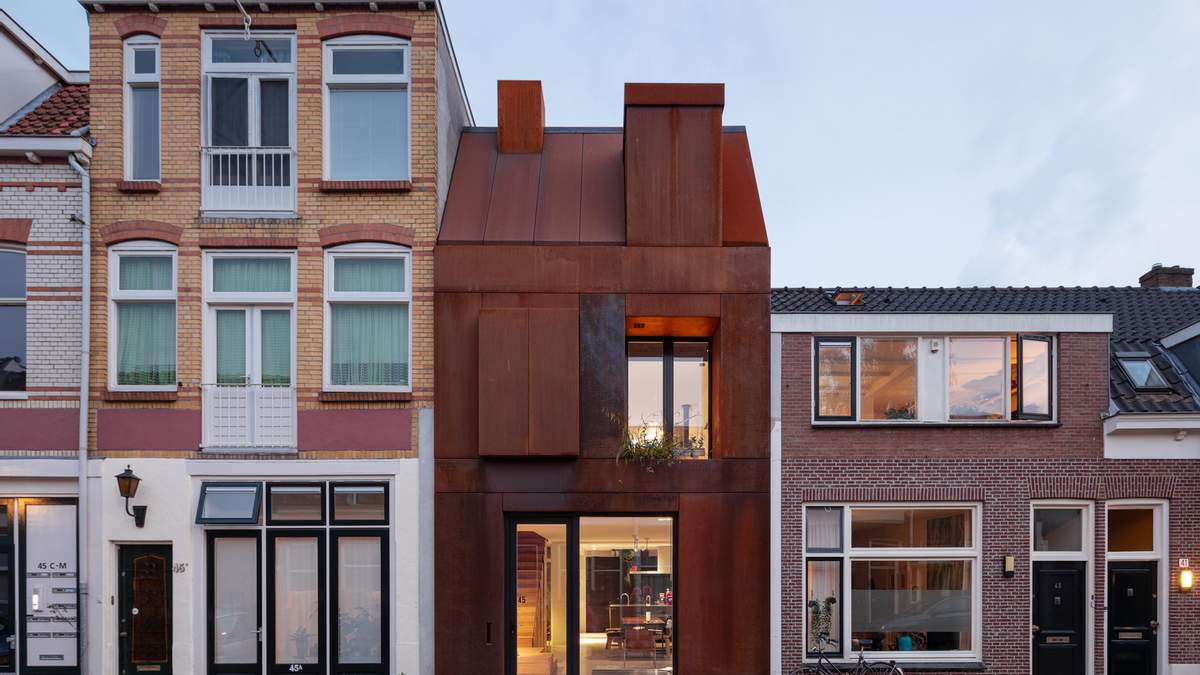 Ржавая сталь: в Нидерландах появился дом, который медленно съедает коррозия – фото