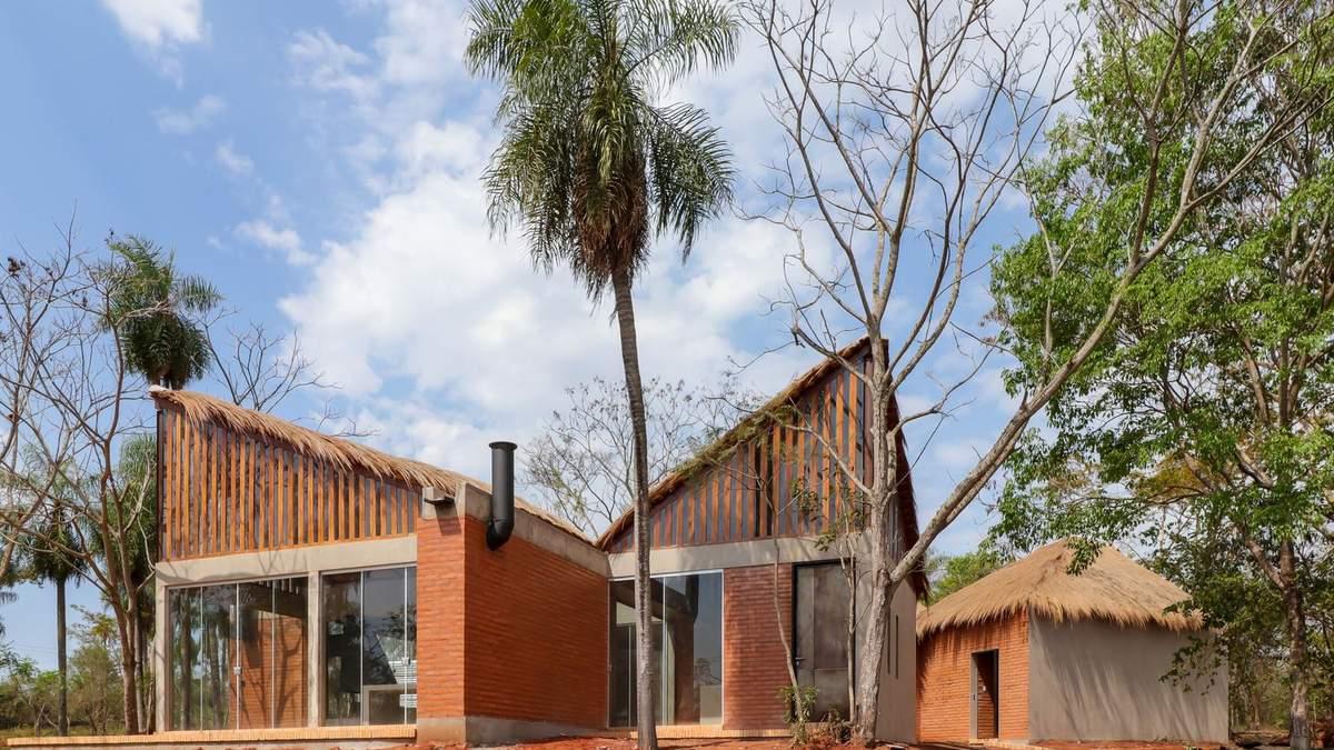 Современный дом туземца: в Парагвае посреди леса стильно обновили ранчо – фото