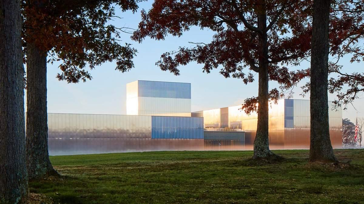 """""""Дзеркальний"""" фасад: у США відкрили музей, який присвячений армії – фото"""