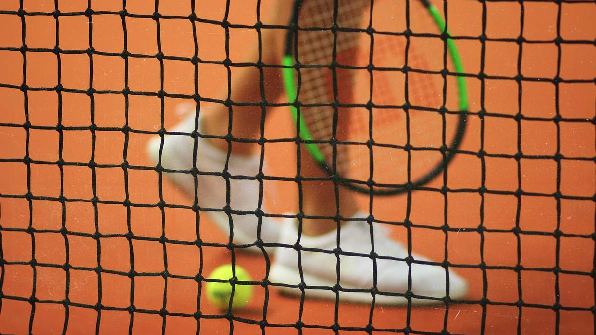Архитекторы разработали 91-метровый небоскреб, который состоит из теннисных кортов: фото
