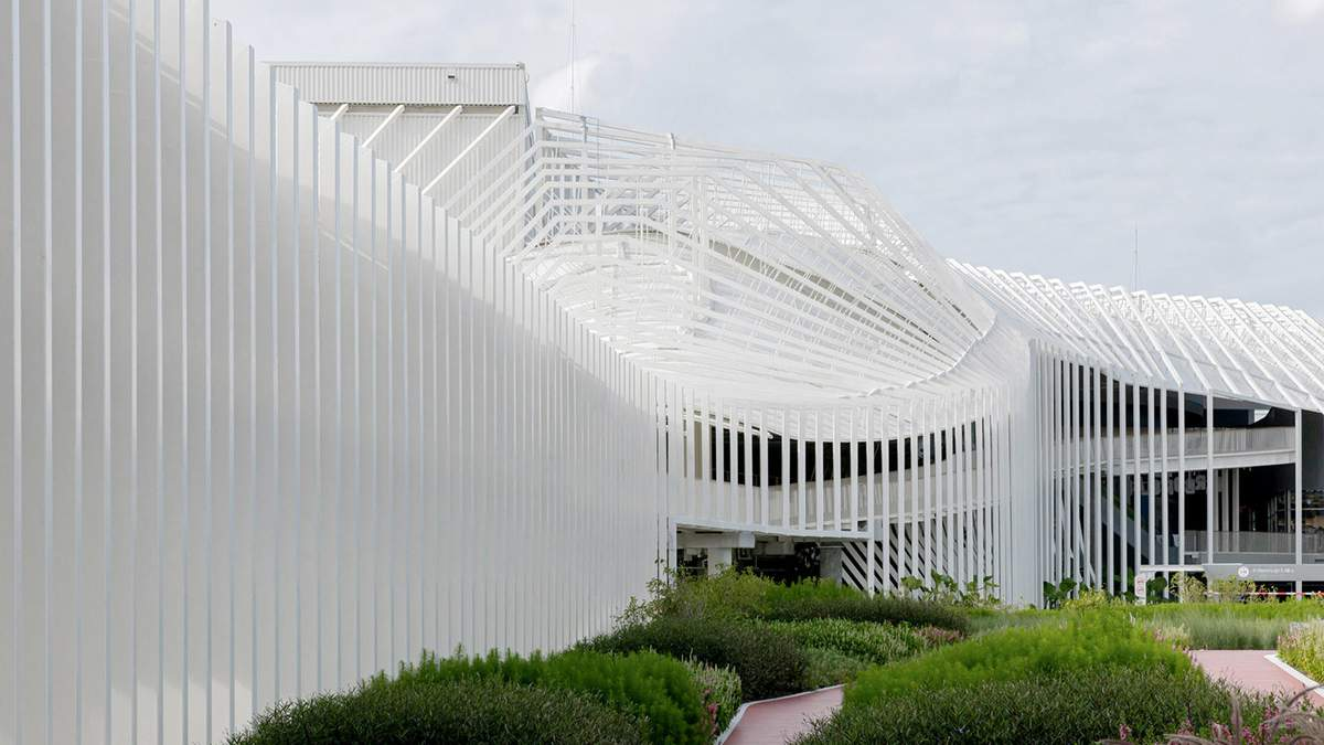 Бангкок дивує новим торговим центром / Фото World Architecture