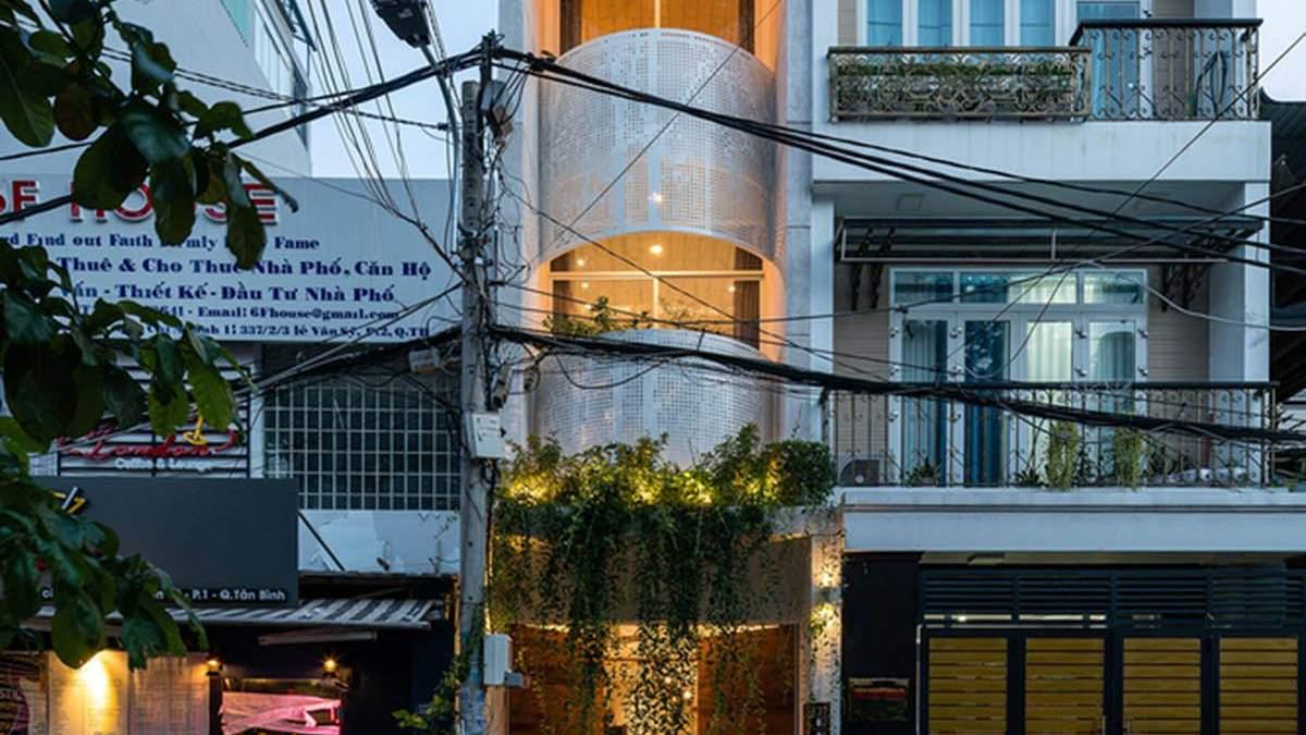 Маленький бриллиант среди застройки: уникальная резиденция во Вьетнаме – фото