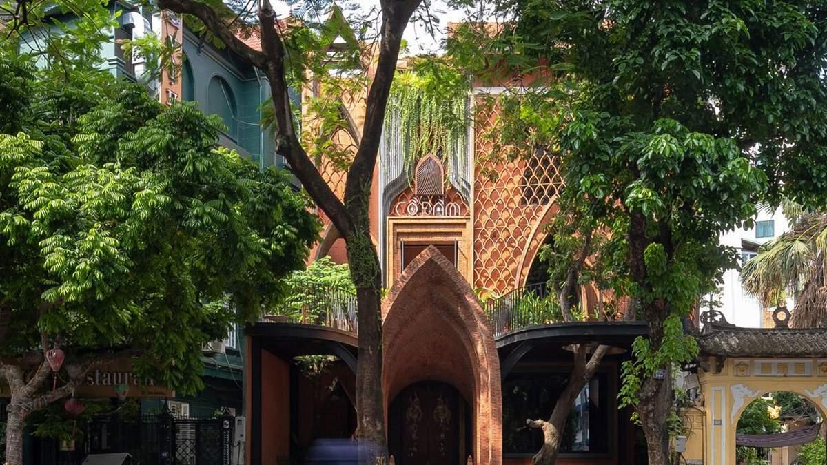 Ресторан і храм в одному: як виглядає особлива будівля у В'єтнамі – приголомшливі фото