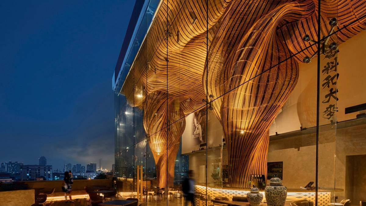 Магия золотых форм: фото удивительного ресторана в Таиланде