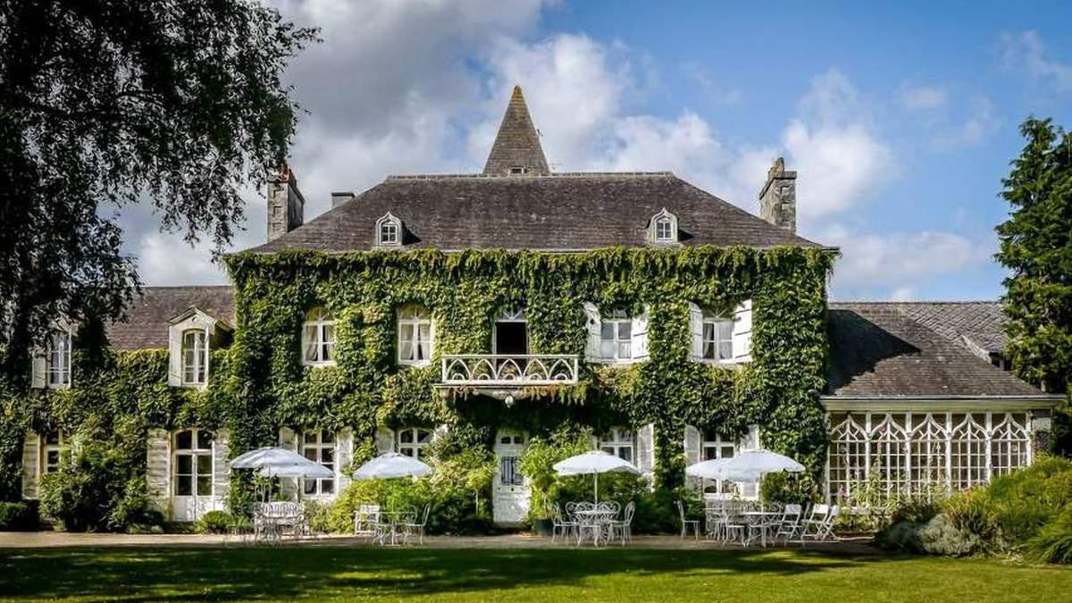 Французская мечта фото небольшого замка в Бретани, который выставили на продажу