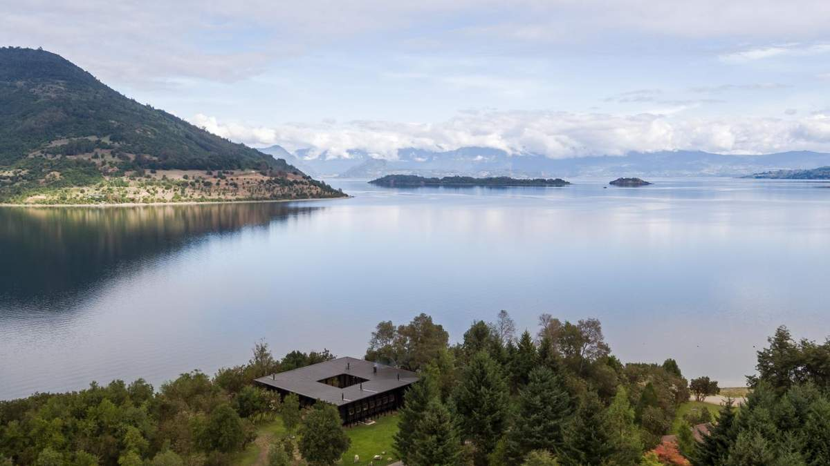 Лише дерево: у Чилі спроєктували фантастичний сімейний будинок – фото