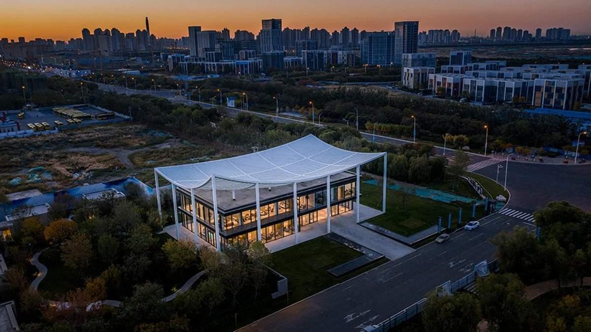 Культовая крыша и традиционный дизайн: в Китае спроектировали впечатляющий офис – фото