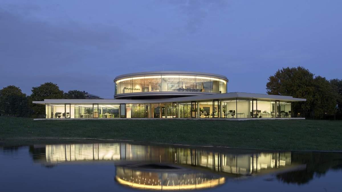 Открытые пространства и зелень: проект современного офиса из Нидерландов  –фото