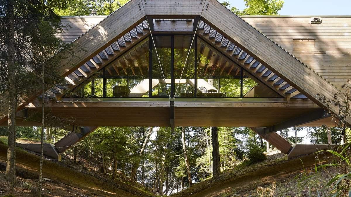 Дім-міст: як виглядає унікальний будинок у лісах Канади