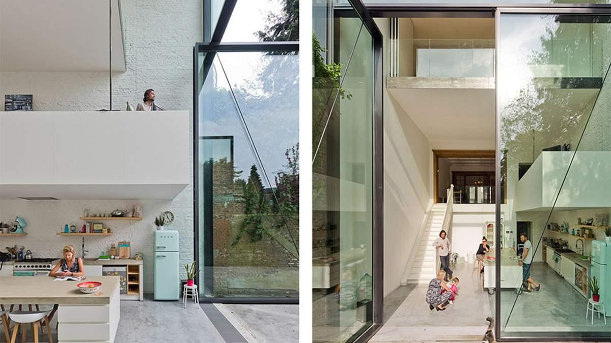Превращение буржуазного дома в стеклянный таунхаус: впечатляющие фото