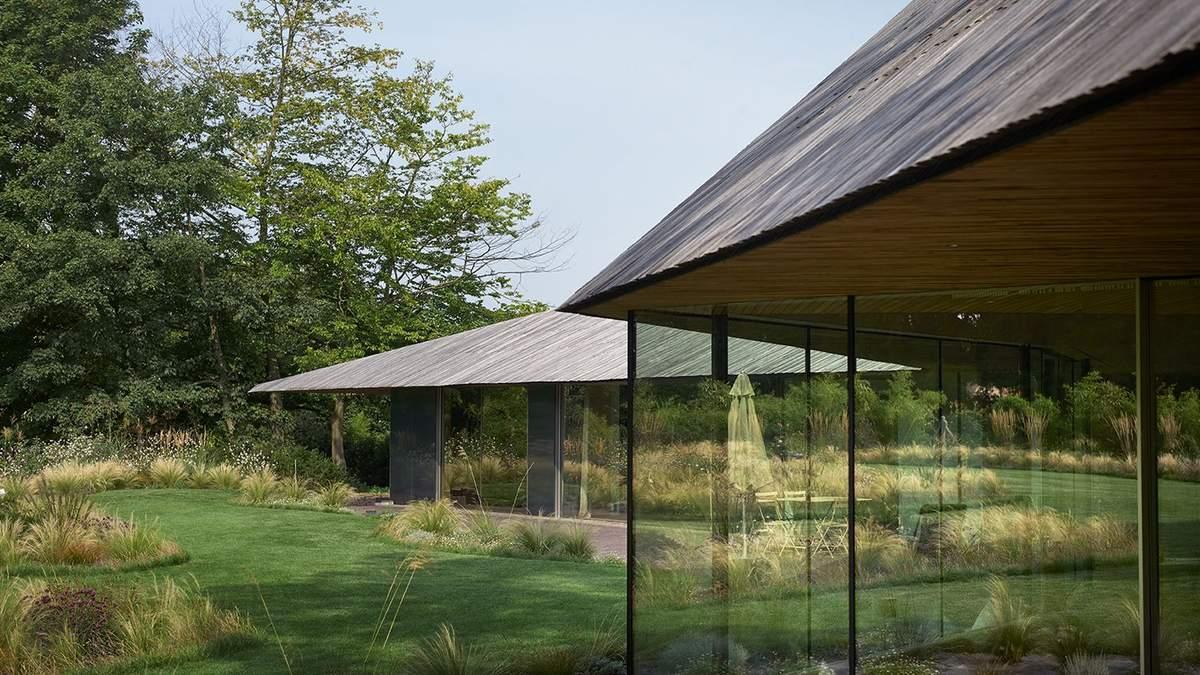 Французький затишок: скляний будиночок, який створений для насолоди природою – фото