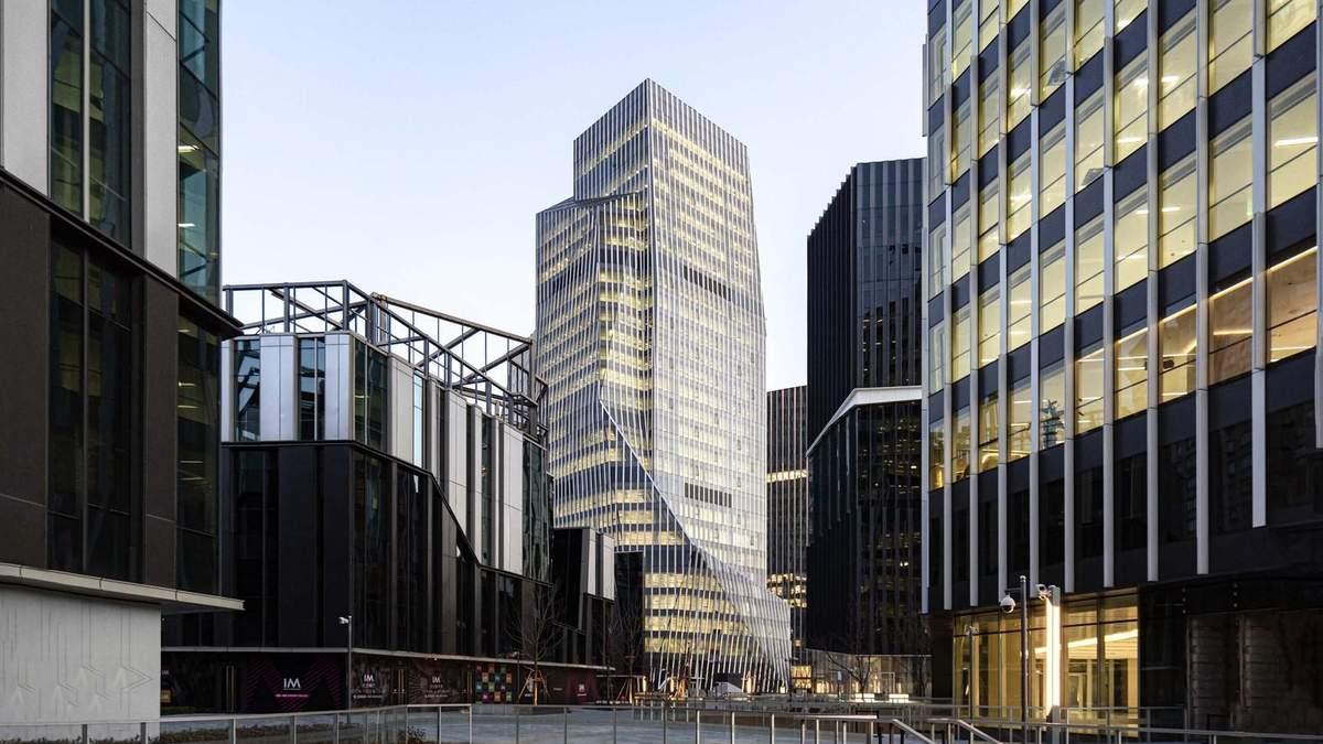 Горные вершины и городской пейзаж: в Китае построили модернистские башни