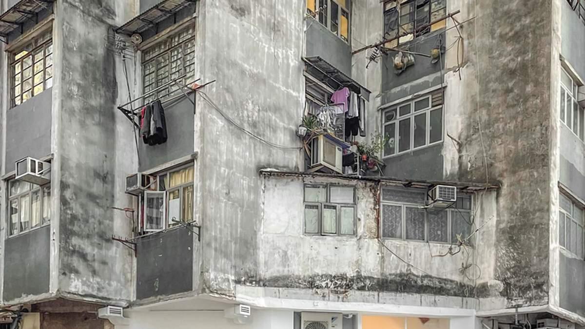 Затишок у занедбаній будівлі: унікальне кафе у Гонконгу